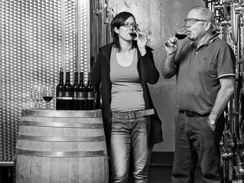 files/images/winemakers/switzerland/juerg-saxer/Jurg_and_Nadine_Saxer.jpg
