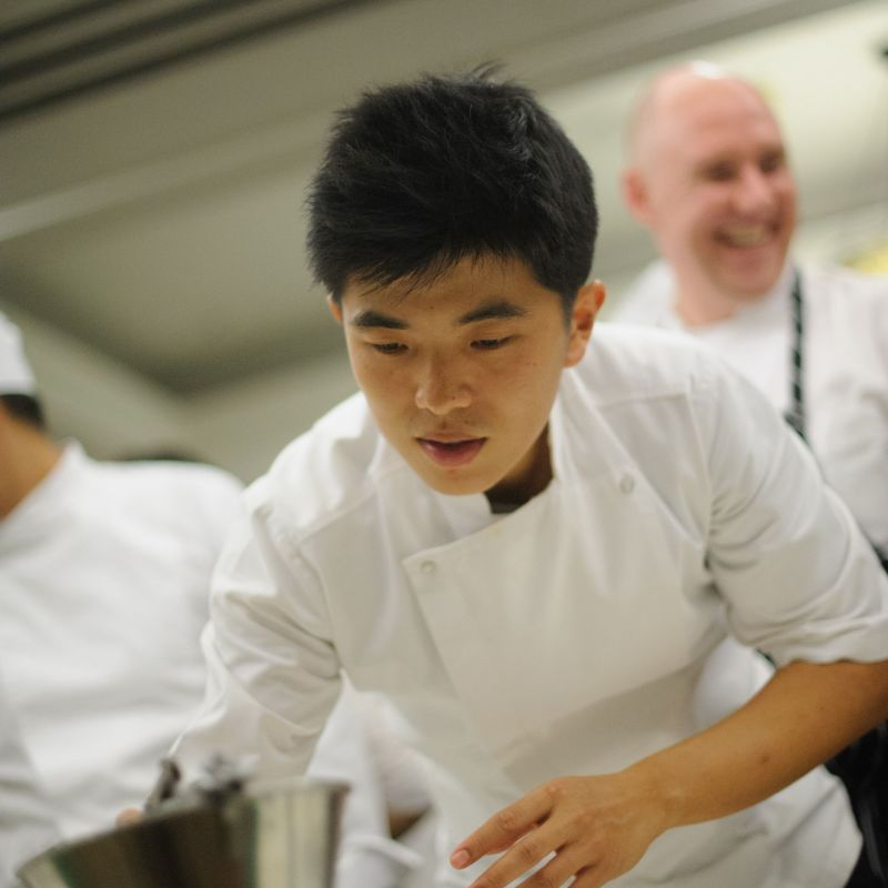 files/events/Discover Thai Forrest wine dinner at Pacific city club 17 June 2015/Chef Ton from Le Du restaurant 1.jpg